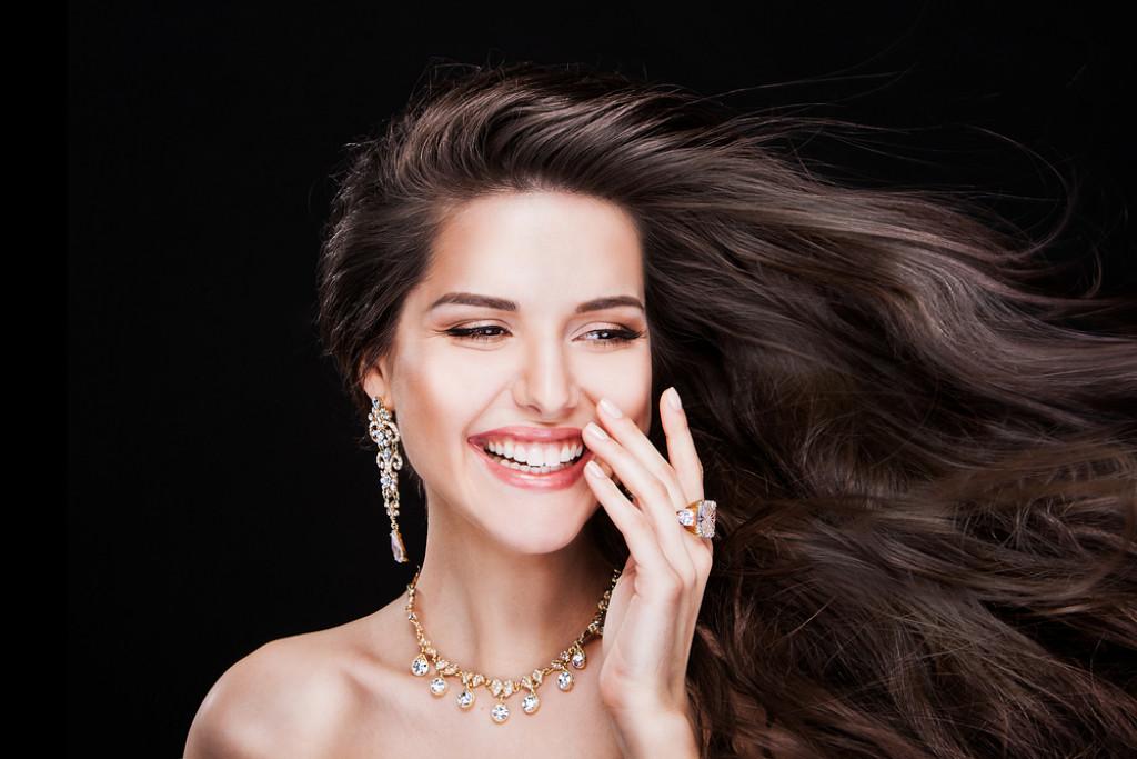 Sådan holder du dig opdateret på smykketrenden