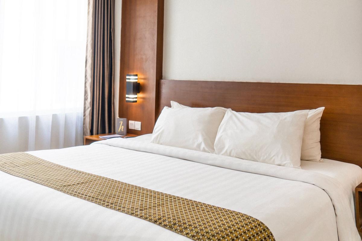Køb en sengegavl og indret værelset med disse 3 tips